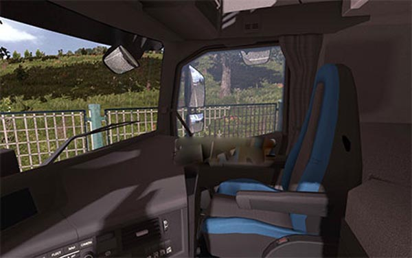 Volvo FH16 2013 black-blue interior image