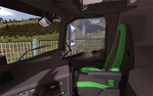 Volvo FH16 2013 black-green interior image