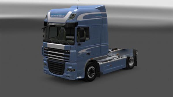 DAF XF Limited Edition Blue Skin
