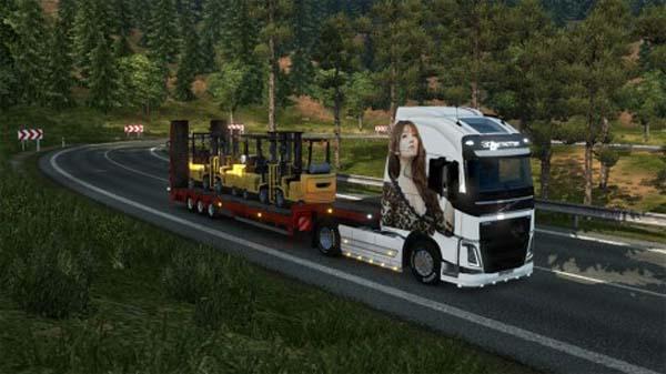 Volvo FH Girl skin
