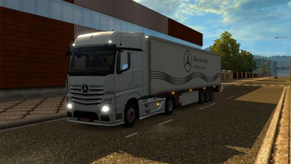 Mercedes-Benz trailer Standalone