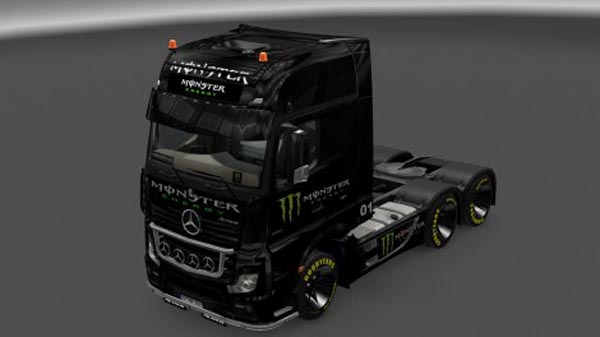 Metcedes MPIV 2014 Monster Energy Pack