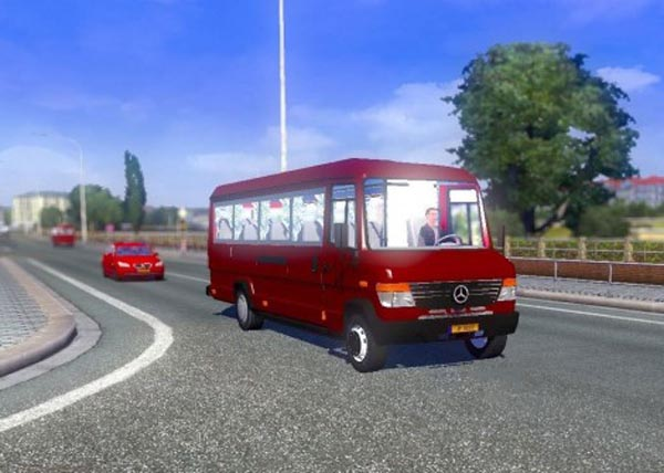 Mercedes Benz Vario 812D in Traffic