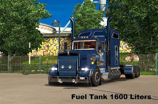 Kenworth W900L Custom Fuel Tank