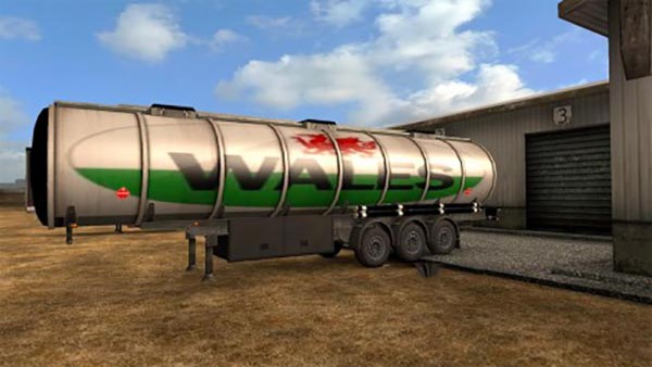 Welsh fuel tanker skin