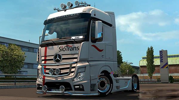Mercedes MP4 Siotrans Skin